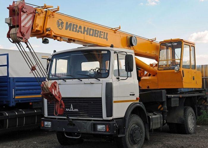 avtokran-14-tonn